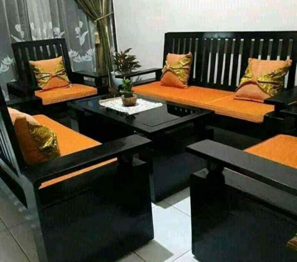 Kursi kayu minimalis modern